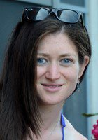 A photo of Elana, a tutor from Tufts University
