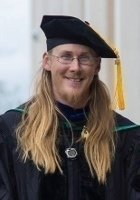 A photo of Leif, a tutor from Whitman College