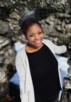 A photo of Shavon, a tutor from Columbia College-Chicago
