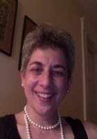 A photo of Laura, a tutor from Oberlin College