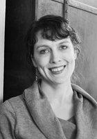A photo of Liz, a tutor from Syracuse University