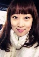 A photo of Flora, a tutor from Guangzhou University