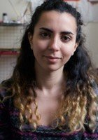 A photo of Amel, a tutor from Tufts University
