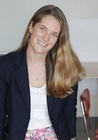 A photo of Emily, a tutor from Bowdoin College