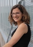 A photo of Emily, a tutor from Oberlin College