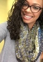 A photo of Jasmin, a tutor from CUNY York College