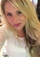 A photo of Elizabeth, a tutor from UNCC