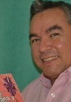 A photo of Luis, a tutor from CENLAF
