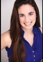 A photo of Aliza, a tutor from Brandeis University