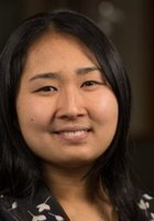 A photo of Roseanna, a tutor from University of Oregon