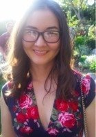 A photo of Elizabeth, a tutor from Tufts University