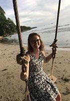 A photo of Brenna, a tutor from Hamline University