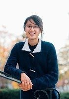 A photo of Stephanie, a tutor from Grinnell College