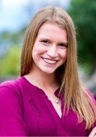 A photo of Ellie, a tutor from Creighton University