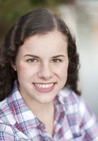 A photo of Alexa, a tutor from Emmanuel College