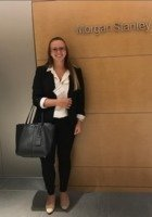 A photo of Nicole, a tutor from Barnard College