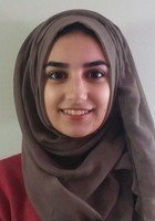A photo of Mahreen, a tutor from North Central College