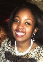 A photo of Juliana, a tutor from Northwestern University