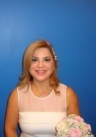 A photo of Elizabeth, a tutor from Florida International University
