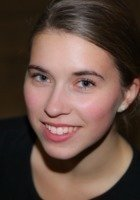 A photo of Emma, a tutor from Kenyon College