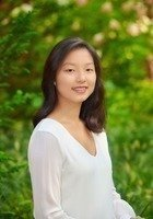 A photo of Julia, a tutor from Wellesley College