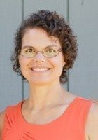 A photo of Kristine, a tutor from McDaniel College