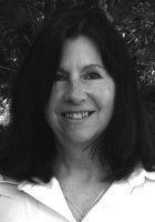 A photo of Linda, a tutor from University of California-Davis