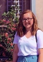 A photo of Patrycja, a tutor from Western Illinois University