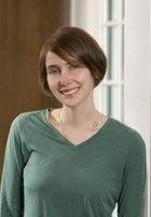 A photo of Emily, a tutor from Harvard University