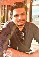 A photo of Haris, a tutor from University of Colorado Boulder