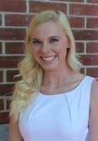 A photo of Karlee, a tutor from Clemson University