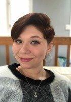 A photo of Eva, a tutor from Stony Brook University