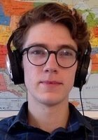 A photo of Simon, a tutor from Lawrence University