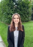 A photo of Nicole, a tutor from Stony Brook University Honors College