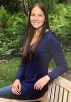 A photo of Sarah, a tutor from Dartmouth College