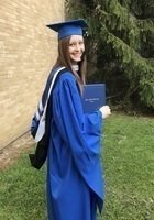 A photo of Kathryn, a tutor from Eastern Illinois University