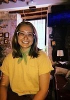 A photo of Lizzie, a tutor from Loyola University-Chicago