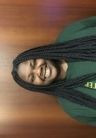 A photo of Sarah, a tutor from Le Moyne College