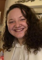 A photo of Lauren, a tutor from Syracuse University