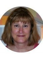 A photo of Suzanne, a tutor from Saint Norbert College