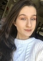 A photo of Natalie, a tutor from Stony Brook University
