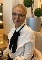 A photo of Kaye, a tutor from Loyola University-Chicago