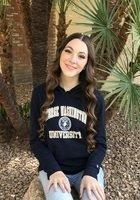 A photo of Grace, a tutor from George Washington University