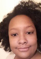 A photo of Tanesha, a tutor from Hollins University
