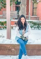 A photo of Laila, a tutor from The University of Texas at Austin