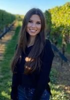 A photo of Nicole, a tutor from Quinnipiac University