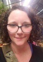A photo of Elizabeth, a tutor from LeMoyne College
